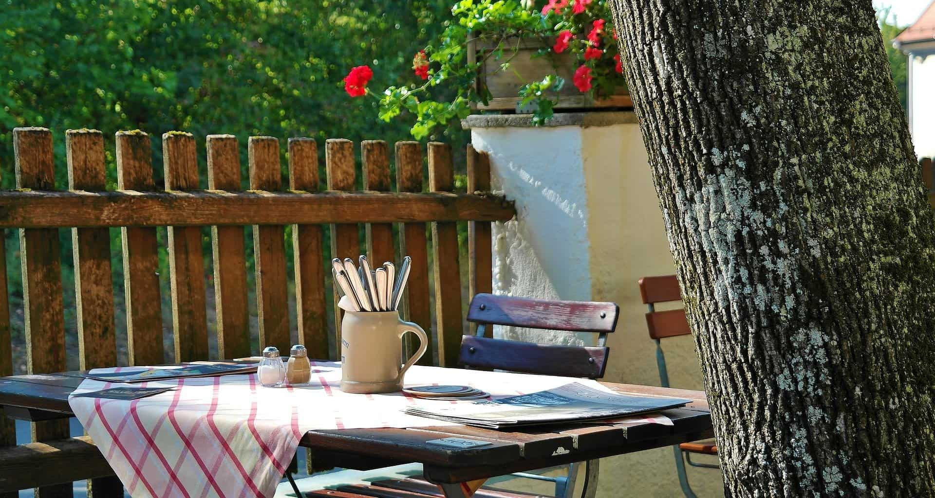 Restaurant Landscaping Ideas to Boost Foot Traffic